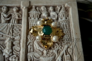 Brooch Megi with green onyx 1420-1520