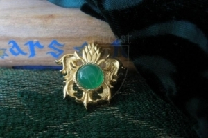 """Pineapple"" brooch with green onyx XV c."