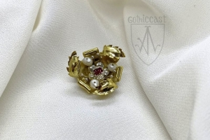 Brooch_with_silver_flower_EBr-11_front