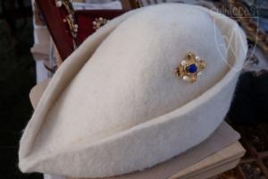 Brooch Megi blue glass on the hat
