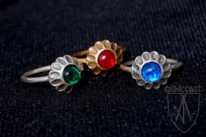 Ring with multi-leafed front