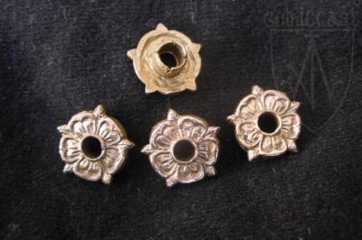 Rose eyelet Belt mounts 14-15 century Western Europe EM-16