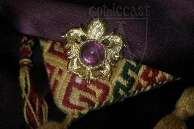 """Pineapple"" brooch with amethyst XV c."