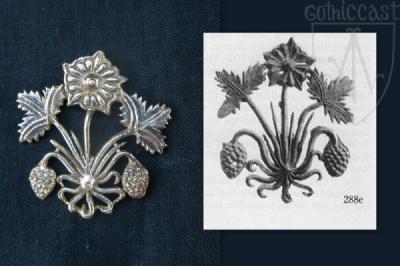 Strawberry heraldic badge 14-15th century