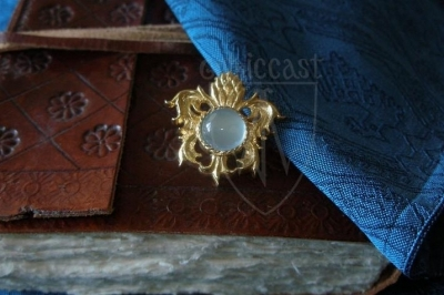 """Pineapple"" brooch with aqua chalcedony XV c."