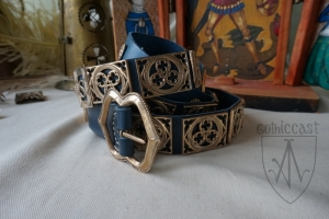 Knight girdlein bronze on the blue leather