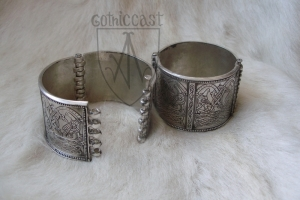 Kyivan Rus folding bracelet 12-13th century