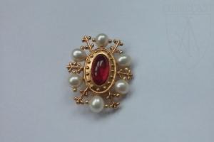 St.Eligius Brooch garnet quartz