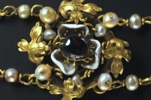 Cleveland medallion necklace 1380-1430